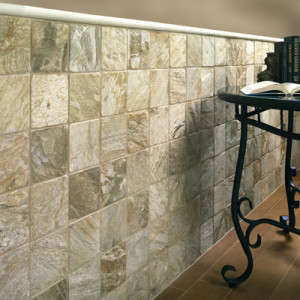 Tiled Wall w/wainscot SD